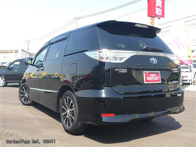 2013 may d 39 occasion toyota estima hybrid daa ahr20w ref no. Black Bedroom Furniture Sets. Home Design Ideas