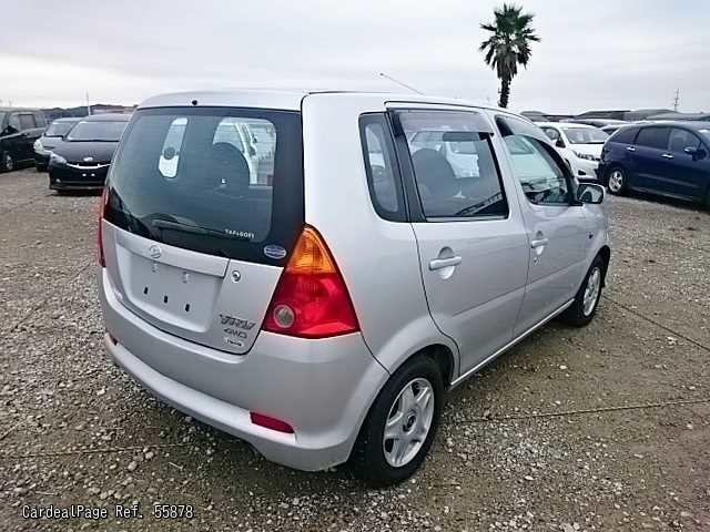 2001 Oct Used Daihatsu Yrv M211g Ref No 55878 Japanese